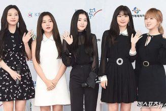 """Red Velvet xác nhận chuẩn bị comeback, trận chiến girlgroup """"rôm rả"""" hơn bao giờ hết"""
