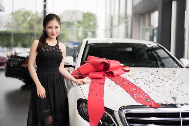 Ca sĩ Hương Tràm